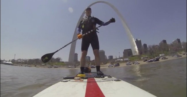 stand up paddle boarding on the mississippi